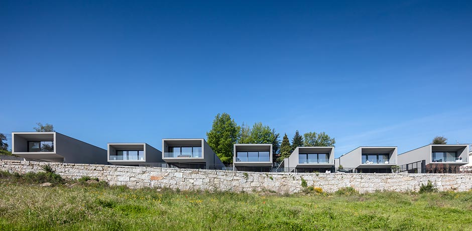Box XL Houses by Grupo Zegnea architects