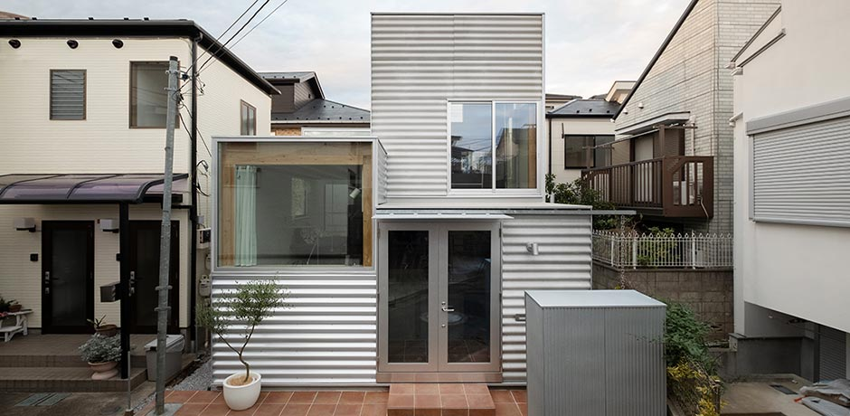 House in Tokyo with a footprint of 26 m²